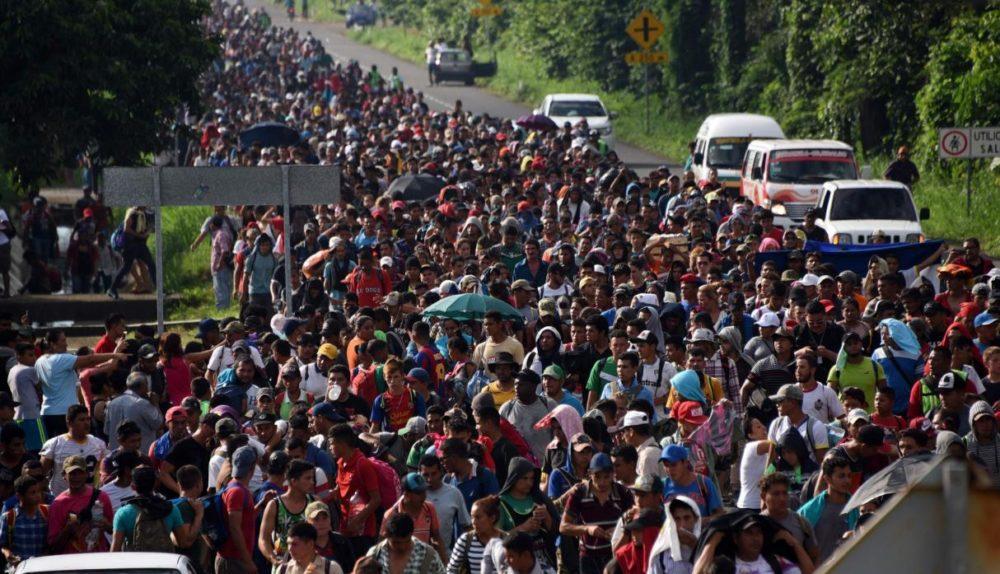 Detienen en Chiapas a 300 migrantes de segunda caravana