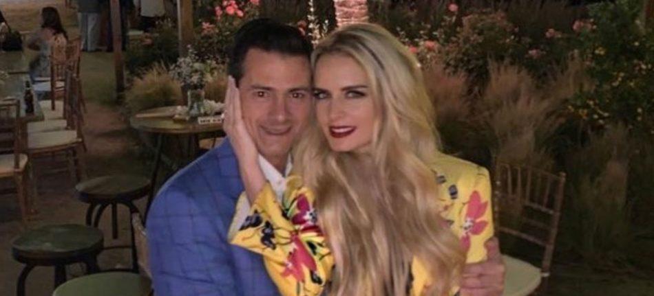 Peña Nieto y su novia disfrazados