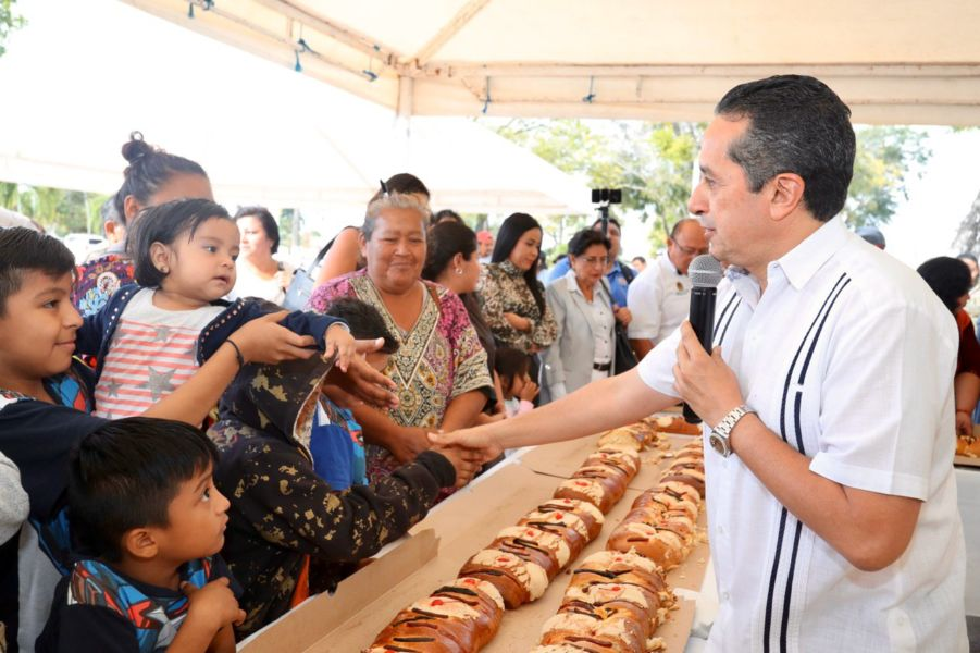 corte de rosca de Reyes en Chetumal
