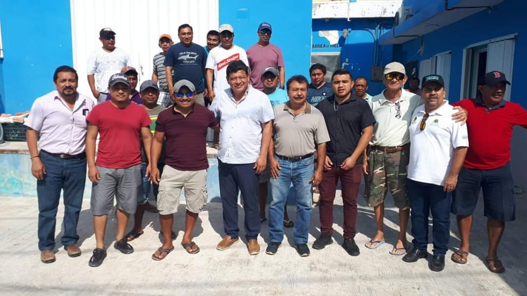 Entregan fabrica de hielo a pescadores de Holbox