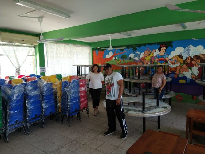 IFEQROO invierte más de 1.2 MDP en mobiliario para escuelas