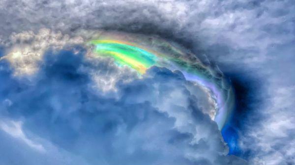 "Asombran nubes ""arcoiris"" en Oaxaca ¡Mira las fotos!"