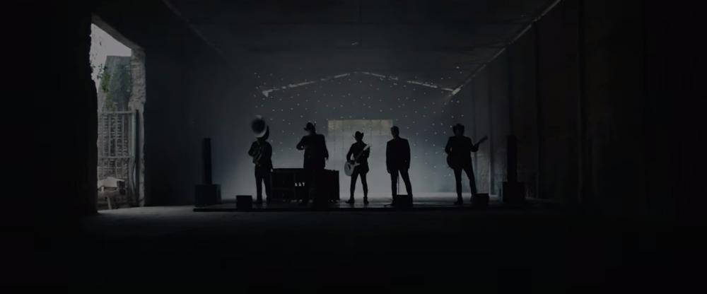 Decepciones, nuevo video de Alejandro Fernández y Calibre 50, míralo aquí