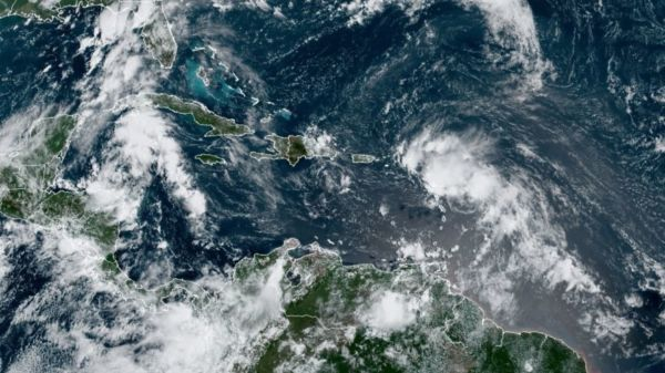 La depresión tropical 13 se convierte en tormenta tropical Laura