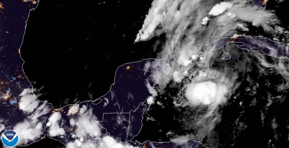 Depresión 14 se convierte en Tormenta tropical Marco y viene para Cancún