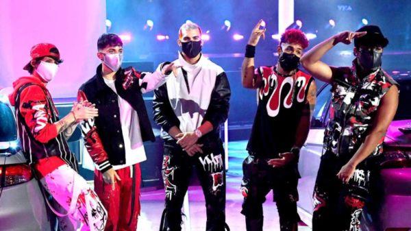 Revive la actuación de CNCO en los MTV VMA's (Video)