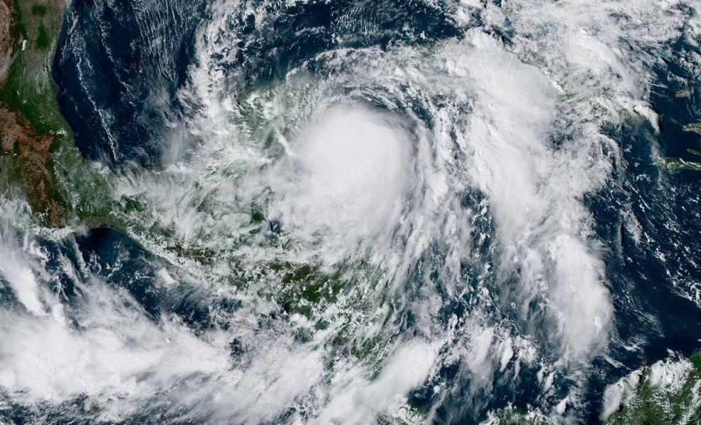 Zeta ya es huracán categoría 1