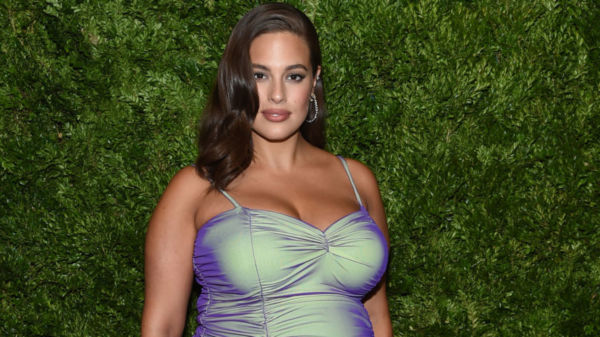 Ashley Graham se desnuda totalmente en Instagram