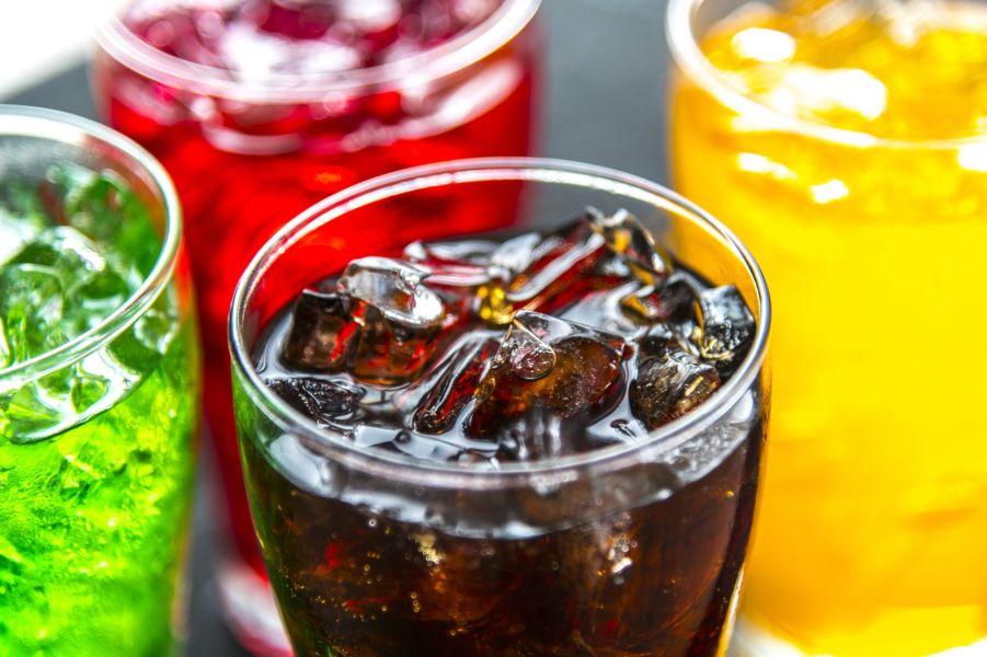 Tomar bebidas azucaradas reduce protección contra males cardíacos