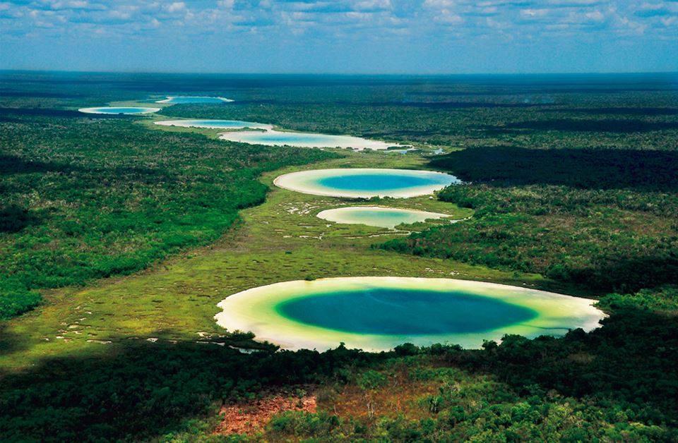 Síijil Noh Há: Hermosa laguna y cenote en